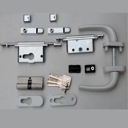 Фурнитура для алюминиевых дверей